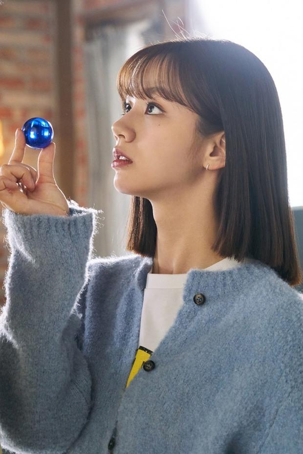 Thánh meme phim Hàn gọi tên Hyeri, Duk Sun của Reply 1988 vẫn chưa là gì so với phim mới - Ảnh 12.