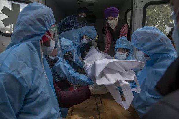 Malaysia đối mặt với làn sóng dịch COVID-19 mới, nhiều thành phố ở Trung Quốc đạt miễn dịch cộng đồng - Ảnh 1.