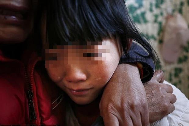 Nữ sinh cấp 2 bị thầy giáo xâm hại tình dục nhiều lần rồi quay phim uy hiếp, phẫn nộ hơn là căn bệnh hắn gây ra cho nạn nhân - Ảnh 2.