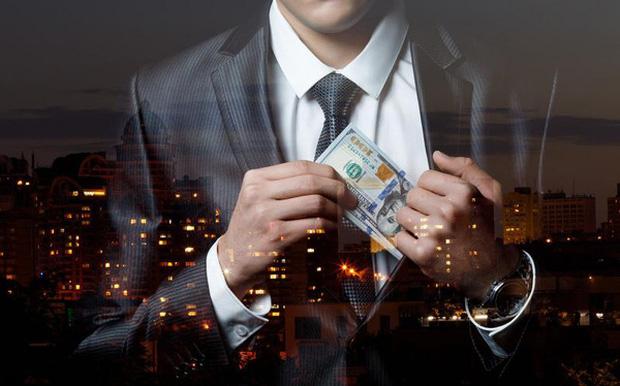 Đệ nhất lừa đảo từ thiện ở Mỹ: Quyên góp được hàng tỷ USD rồi dùng tiền mua nhà, bao nuôi bồ nhí, kết cục ngồi tù và chết vì ung thư trong đau đớn - Ảnh 1.