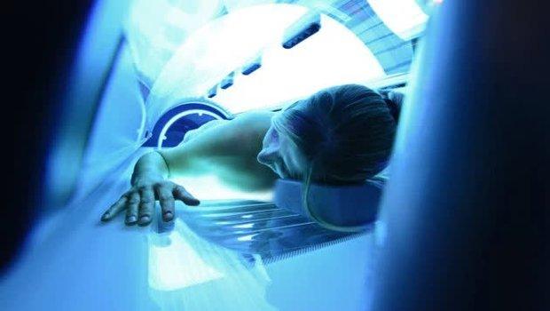 Vào thẩm mỹ viện làm đẹp, khách hàng người Áo sốc khi thấy thi thể người phụ nữ nằm chết trong tủ nhuộm da - Ảnh 3.