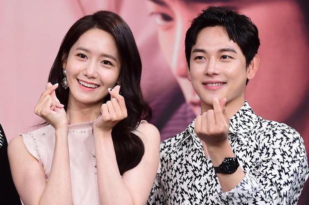 Bạn trai cũ Lee Seung Gi vừa công khai tình mới, Yoona (SNSD) cũng lộ luôn mối quan hệ bất ngờ với 1 nam thần màn ảnh - Ảnh 9.