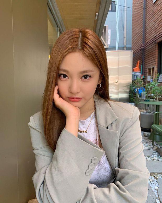 Netizen rầm rộ vì lâu lắm SM mới có mỹ nhân tân binh visual hiếm, là sự kết hợp bất ngờ của Jennie (BLACKPINK) và Minnie (G)I-DLE? - Ảnh 8.