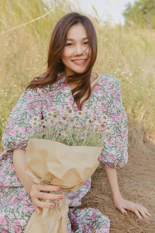Ngắm bộ sưu tập váy đồ sộ của Thanh Hằng, đảm bảo các nàng 30+ mang về thêm nhiều kiểu trẻ trung và ghi trọn điểm sang chảnh - Ảnh 1.