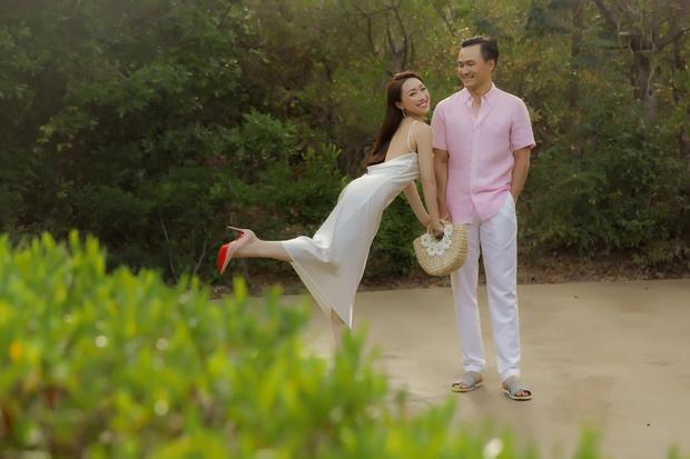 Diễn viên Chi Bảo trước khi giải nghệ: Tiếng tăm lẫy lừng, 2 lần đổ vỡ hôn nhân mới gặp được vợ kém 16 tuổi cực giàu - Ảnh 15.