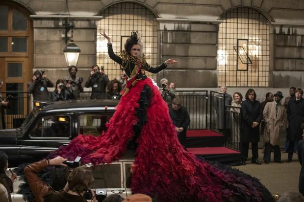 Nhan sắc 4 ác nữ Cruella trên phim: Mỹ nữ Emma Stone liệu có cửa đọ với bà hoàng 8 lần được đề cử Oscar? - Ảnh 10.