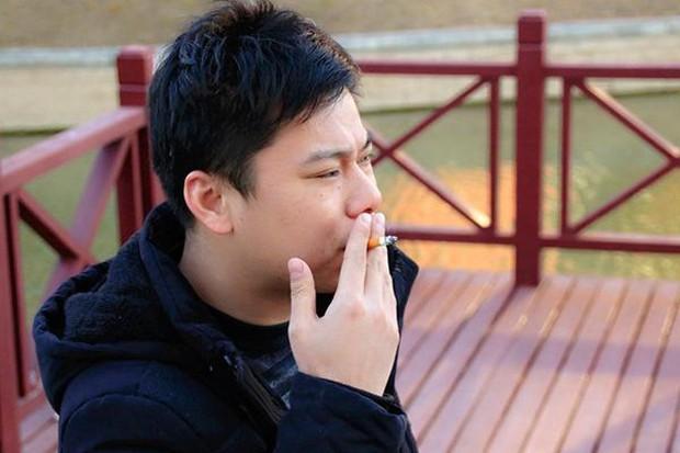 Người hút thuốc nếu không làm được 2 việc đơn giản sau thì tốt nhất nên cai thuốc vì phổi sắp không chịu nổi nữa - Ảnh 2.