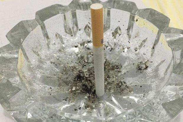 Người hút thuốc nếu không làm được 2 việc đơn giản sau thì tốt nhất nên cai thuốc vì phổi sắp không chịu nổi nữa - Ảnh 1.