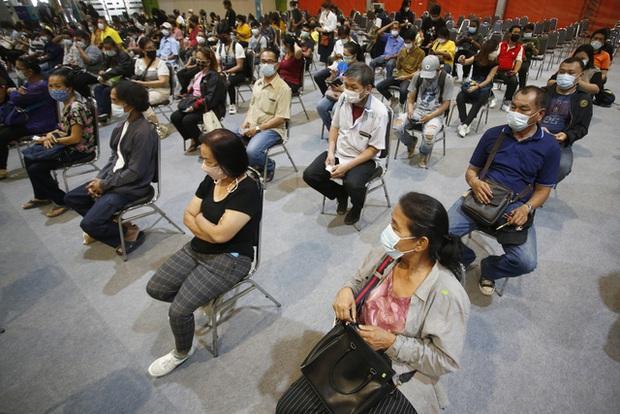Nhiều nước Đông Nam Á đứng trước nguy cơ khủng hoảng COVID-19 - Ảnh 3.