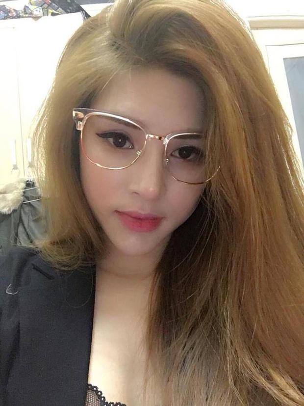 Cận cảnh nhan sắc xinh đẹp vợ hot girl của HLV Rap Việt LK - Ảnh 5.
