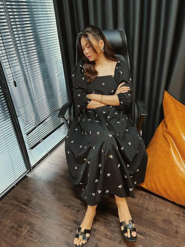 Ngắm bộ sưu tập váy đồ sộ của Thanh Hằng, đảm bảo các nàng 30+ mang về thêm nhiều kiểu trẻ trung và ghi trọn điểm sang chảnh - Ảnh 5.