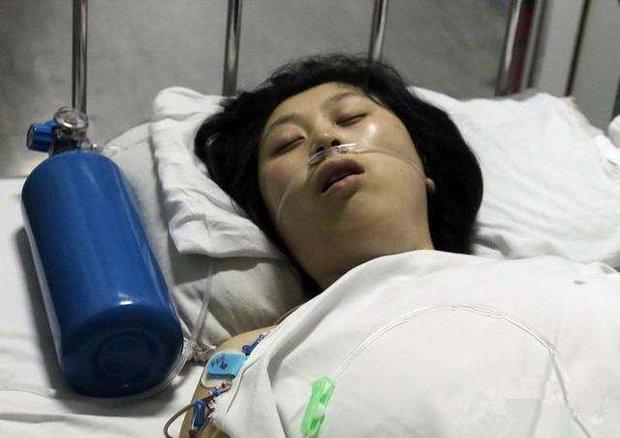 Cô gái 23 tuổi qua đời giữa đêm vì bị nhồi máu não, bác sĩ cảnh báo 1 việc đàn ông dù thích mấy cũng đừng làm với bạn gái - Ảnh 1.