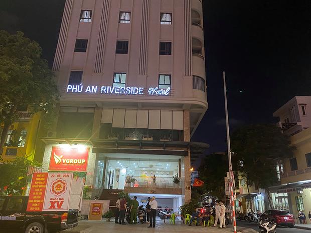 Đà Nẵng phong tỏa khách sạn nơi nam nhân viên spa dương tính với SARS-CoV-2 làm việc - Ảnh 1.