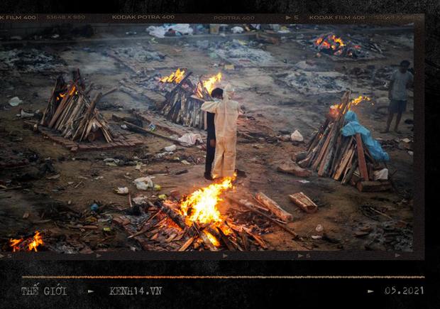 Một ngày tại lò hỏa táng giữa địa ngục Covid Ấn Độ: Khi cái chết là sự thật duy nhất trong các lò hỏa thiêu đang đỏ lửa ngày đêm - Ảnh 2.