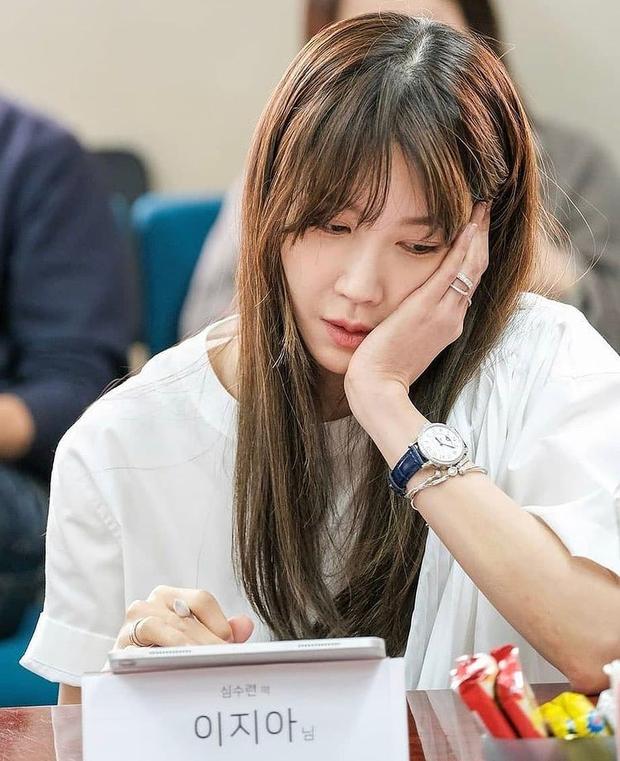 Bà cả Penthouse Lee Ji Ah khoe clip cận mặt, đẹp choáng váng thế này ai nghĩ đã U45! - Ảnh 7.