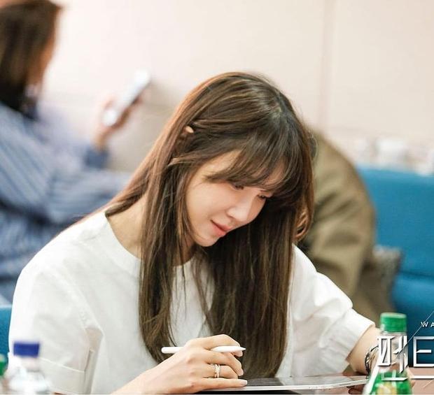Bà cả Penthouse Lee Ji Ah khoe clip cận mặt, đẹp choáng váng thế này ai nghĩ đã U45! - Ảnh 8.