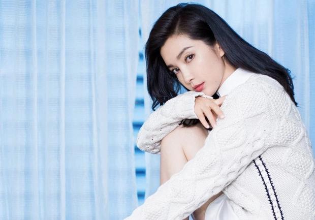 """Ảnh 2 đại mỹ nhân Lý Băng Băng - Jeon Ji Hyun so kè nhan sắc 10 năm trước được """"đào"""" lại khiến fan tranh cãi vì khó phân cao thấp - Ảnh 4."""