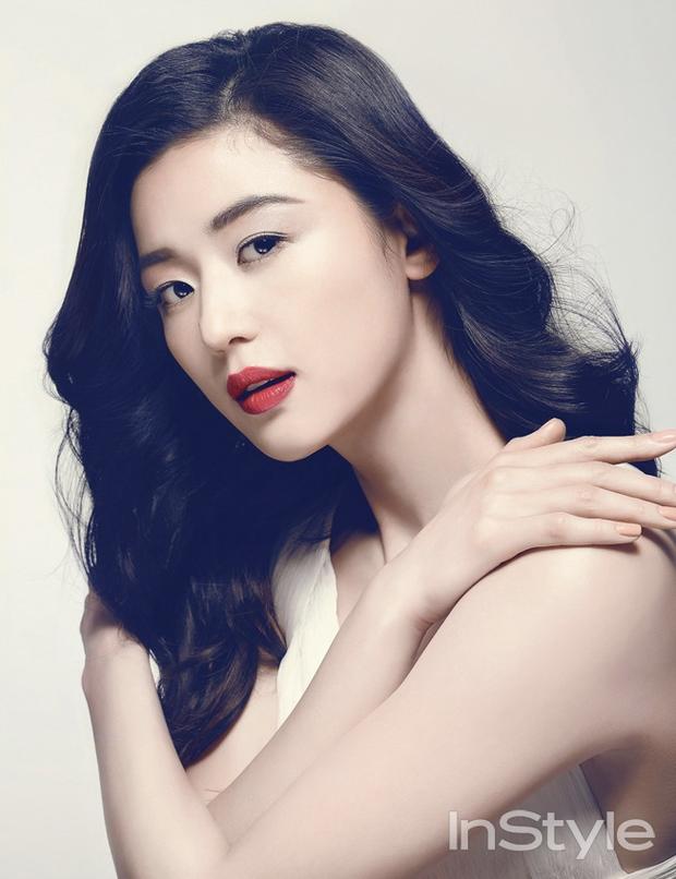 """Ảnh 2 đại mỹ nhân Lý Băng Băng - Jeon Ji Hyun so kè nhan sắc 10 năm trước được """"đào"""" lại khiến fan tranh cãi vì khó phân cao thấp - Ảnh 5."""