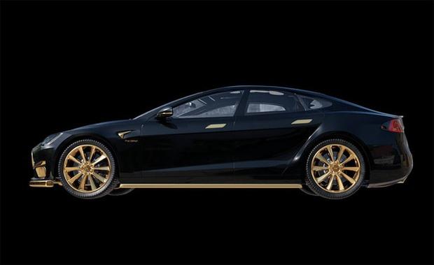 Chơi xe kiểu nhà giàu: Chi 7 tỷ mua cặp Tesla và iPhone 12 mạ vàng giới hạn 99 đôi trên toàn thế giới - Ảnh 1.