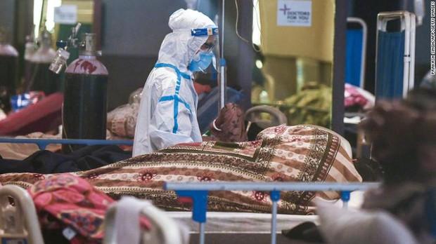 Bi kịch nối tiếp bi kịch: Bệnh viện giữa địa ngục Covid Ấn Độ đang trở nên quá kinh khủng, bệnh nhân phải cầu xin để thoát ra càng sớm càng tốt - Ảnh 6.