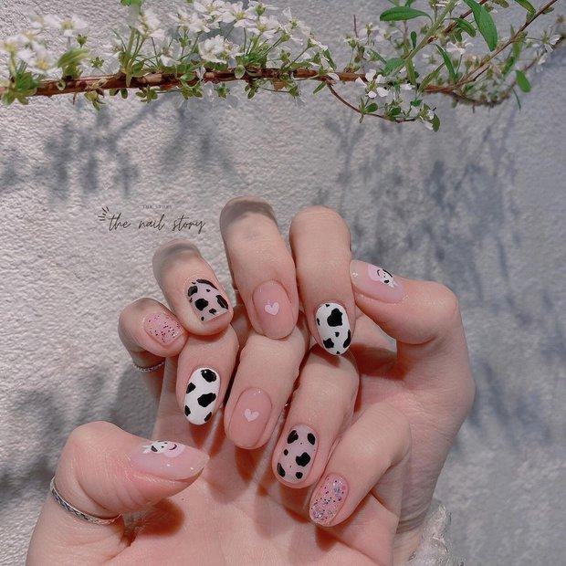 9 mẫu nail mùa hè xinh nhất ở các tiệm lúc này, các nàng chắc chắn chấm được bộ ưng ý - Ảnh 13.