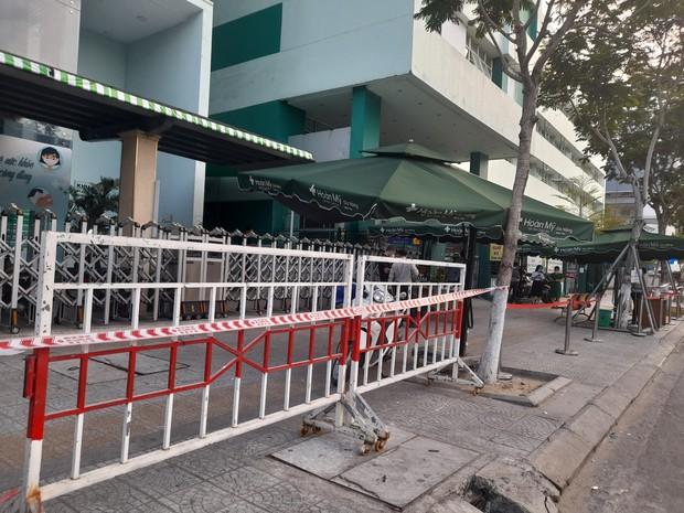 Lịch trình dày đặc của nam nhân viên spa dương tính với SARS-CoV-2 ở Đà Nẵng: Đến bến xe, bar, karaoke, siêu thị, cafe - Ảnh 2.