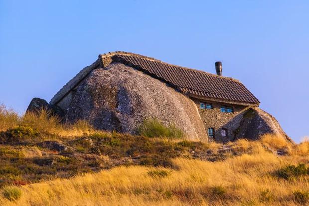 13 ngôi nhà có kiến trúc bất thường tới nỗi chẳng hiểu nổi gia chủ sống trong đó kiểu gì - Ảnh 9.