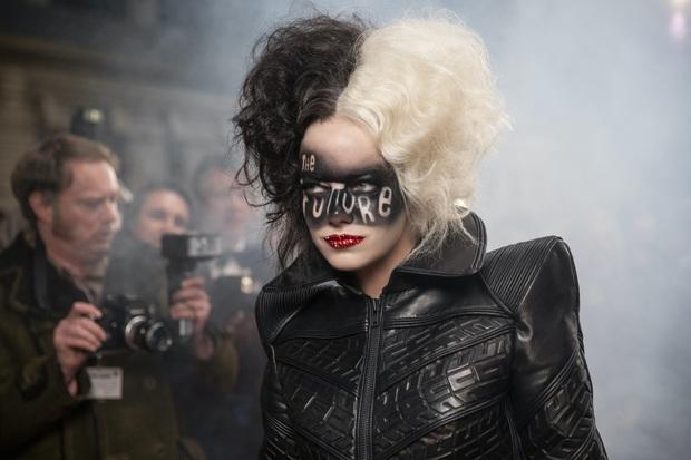 Cruella: Ác nữ trộm chó khơi mào cuộc chiến thời trang choáng ngợp, gây sốc dù phi lý - Ảnh 8.