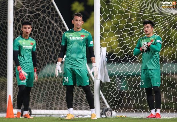 HLV Park Hang-seo lựa chọn sáng suốt ở phút cuối, cứu đội tuyển Việt Nam bàn thua sớm - Ảnh 1.