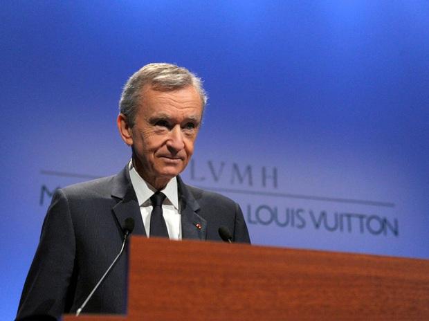 8 sự thật về khối tài sản hơn 192 tỷ USD của ông chủ LV - Ảnh 2.