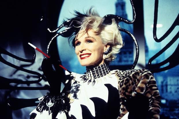 Nhan sắc 4 ác nữ Cruella trên phim: Mỹ nữ Emma Stone liệu có cửa đọ với bà hoàng 8 lần được đề cử Oscar? - Ảnh 1.