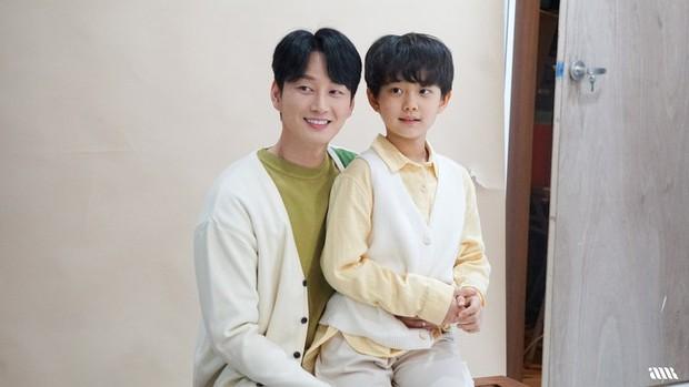 Loạt hình ảnh không lên sóng ở Mine: Lee Bo Young tình thân mến thương với mẹ chồng, hội giúp việc chiếm sóng mọi nơi - Ảnh 11.