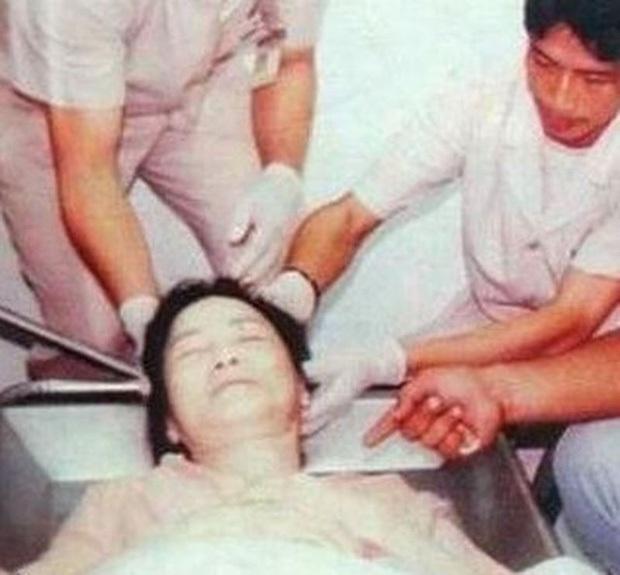 25 năm trước Đặng Lệ Quân đột tử , bạn trai cố tình không cho khám nghiệm tử thi, tới giờ nguyên nhân bí mật mới được hé lộ - Ảnh 4.