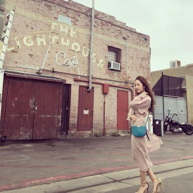 5 kiểu váy liền Park Min Young mê nhất: Nàng 30+ có ngay loạt gợi ý vừa hack dáng vừa trẻ xinh ra mấy tuổi - Ảnh 4.