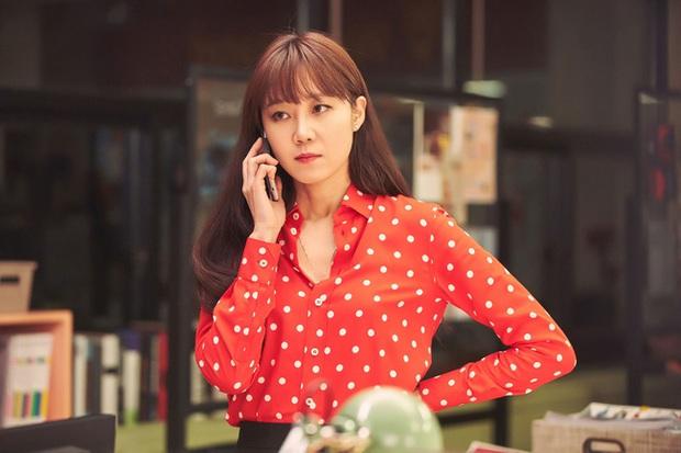 Những bộ cánh trong phim đẹp trường tồn của Gong Hyo Jin, xem xong là dứt khoát lên trình mix đồ - Ảnh 6.