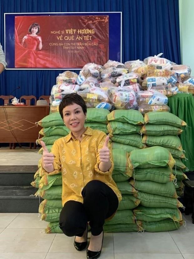 Việt Hương: Biệt thự to đẹp không ở, hột xoàn mua nhiều nhưng không đeo và quan điểm làm từ thiện - Ảnh 4.