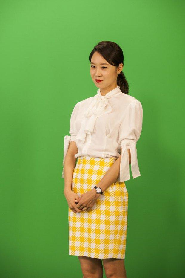 Những bộ cánh trong phim đẹp trường tồn của Gong Hyo Jin, xem xong là dứt khoát lên trình mix đồ - Ảnh 10.