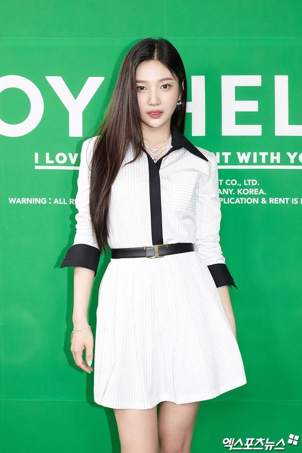 Họp báo hot nhất hôm nay: Joy (Red Velvet) giản dị mà đẹp dữ thần, Wendy gây bất ngờ với gương mặt bớt đơ cứng hơn hẳn - Ảnh 4.
