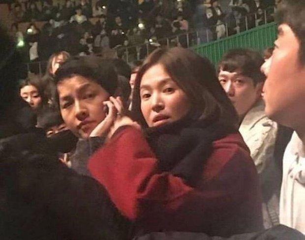 Dàn khách mời đỉnh cao trong concert của IU: Bắt gặp Song Hye Kyo - Song Joong Ki đi hẹn hò, hơn nửa showbiz đều góp mặt - Ảnh 3.