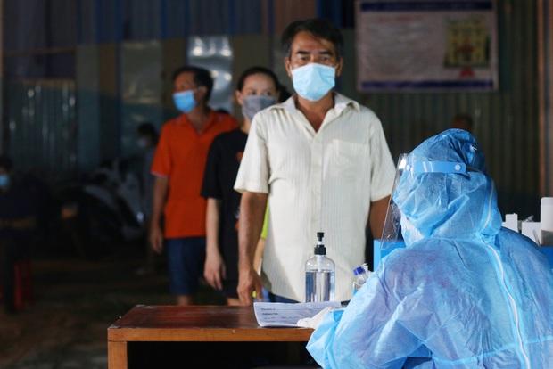 TP.HCM đã tìm thấy mối liên hệ giữa 2 chuỗi lây nhiễm Hội thánh và cặp vợ chồng đi khám bệnh tại BV Hoàn Mỹ - Ảnh 1.