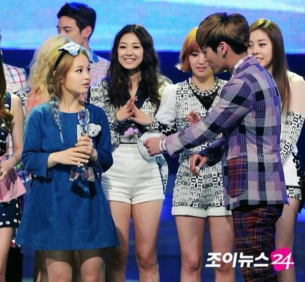 Rơi nước mắt trước những lời dàn nghệ sĩ Kpop tri ân Jonghyun (SHINee): Jonghyun sẽ mãi được yêu thương và không bao giờ bị lãng quên - Ảnh 7.