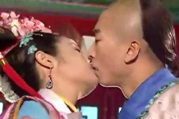 Nhĩ Khang Châu Kiệt từng cưỡng hôn Lâm Tâm Như lẫn bắt nạt Tô Hữu Bằng, hậu quả bị cả ekip coi như kẻ bỏ đi của Cbiz - Ảnh 4.