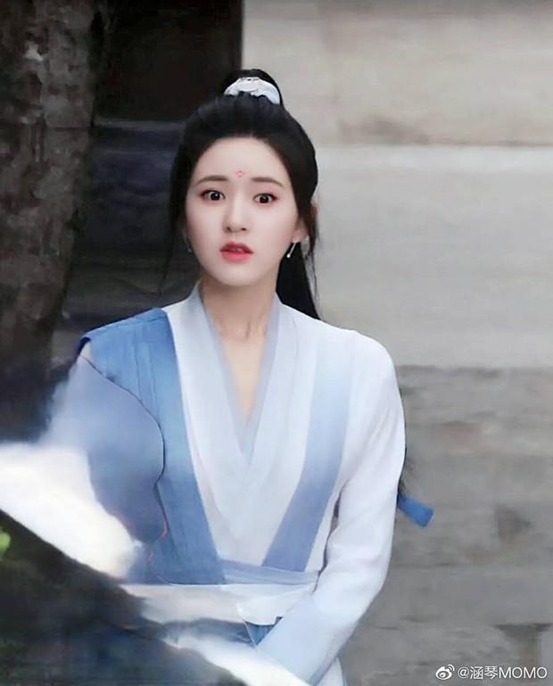 Dương Dương lộ tạo hình tóc trắng cực đỉnh, nhảy loi nhoi cùng Triệu Lộ Tư ở hậu trường Thả Thí Thiên Hạ - Ảnh 10.
