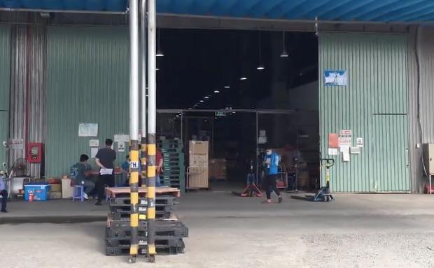 NÓNG: TP.HCM phát hiện ca mắc Covid-19 làm việc tại Khu công nghiệp Vĩnh Lộc - Ảnh 1.