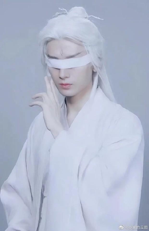 Dương Dương lộ tạo hình tóc trắng cực đỉnh, nhảy loi nhoi cùng Triệu Lộ Tư ở hậu trường Thả Thí Thiên Hạ - Ảnh 6.