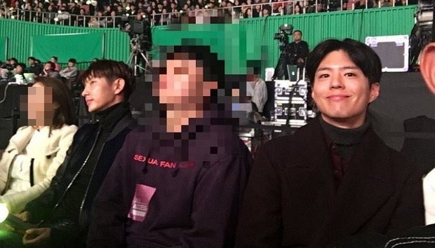 Dàn khách mời đỉnh cao trong concert của IU: Bắt gặp Song Hye Kyo - Song Joong Ki đi hẹn hò, hơn nửa showbiz đều góp mặt - Ảnh 9.