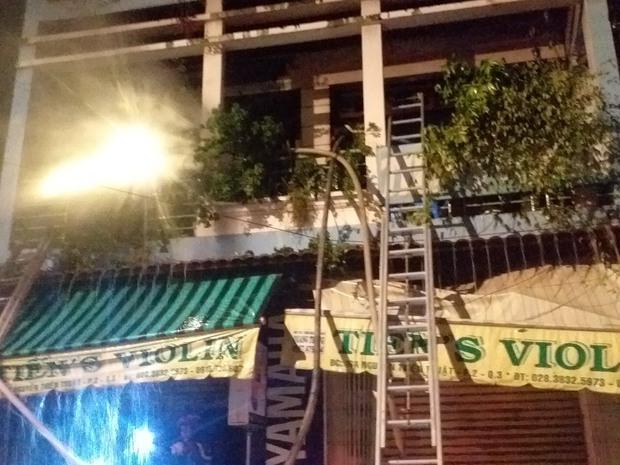 Vụ cháy nhà lúc rạng sáng ở TP.HCM: 2 nạn nhân đã tử vong - Ảnh 1.