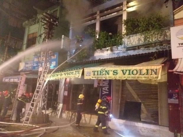 Vụ cháy nhà lúc rạng sáng ở TP.HCM: 2 nạn nhân đã tử vong - Ảnh 2.