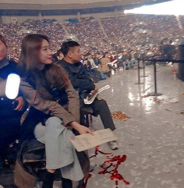 Dàn khách mời đỉnh cao trong concert của IU: Bắt gặp Song Hye Kyo - Song Joong Ki đi hẹn hò, hơn nửa showbiz đều góp mặt - Ảnh 19.