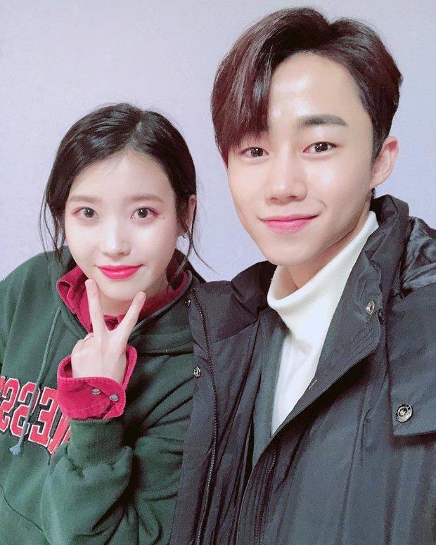Dàn khách mời đỉnh cao trong concert của IU: Bắt gặp Song Hye Kyo - Song Joong Ki đi hẹn hò, hơn nửa showbiz đều góp mặt - Ảnh 30.